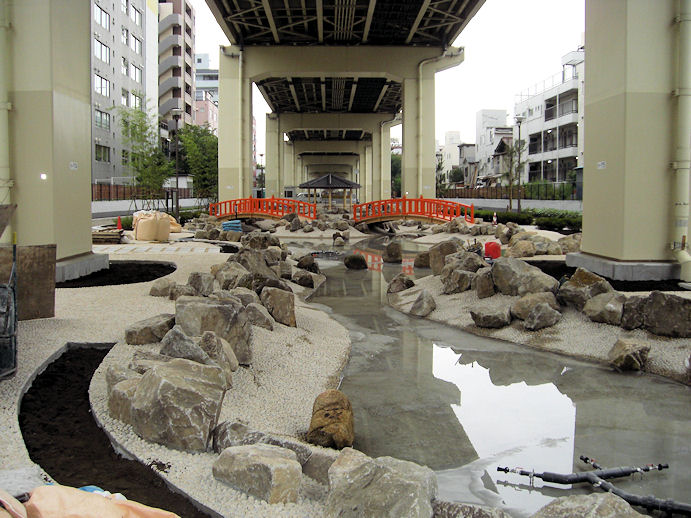 亀戸「三代豊国五渡亭園」のかわらぬ恋の池
