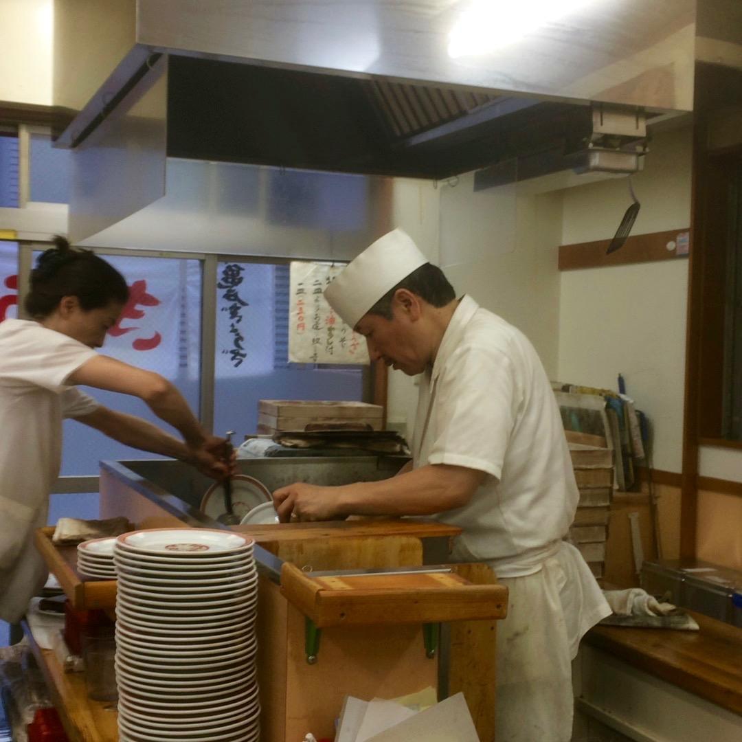 亀戸餃子のオペレーション